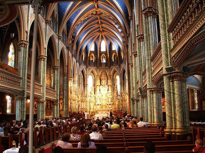 a comparison of architecture in st marks cathedral and notre dame